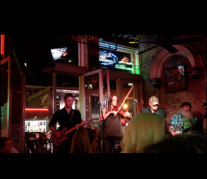 Live music at Rippy's! (Photo courtesy of Ashlyn and Mike.)