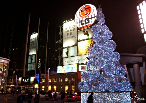 Christmas tree at Toronto's Dundas Square in 2007.