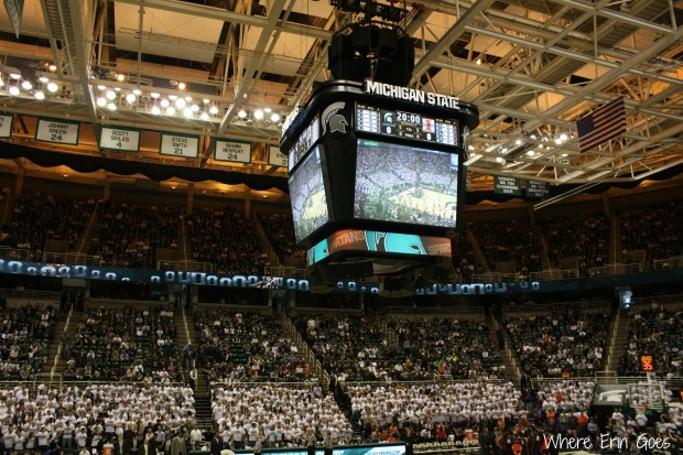 The Breslin Center fills up before tip off on March 1, 2014.
