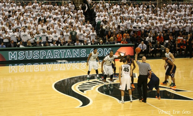 Tip off and the game begins! (Photo by Erin Klema.)